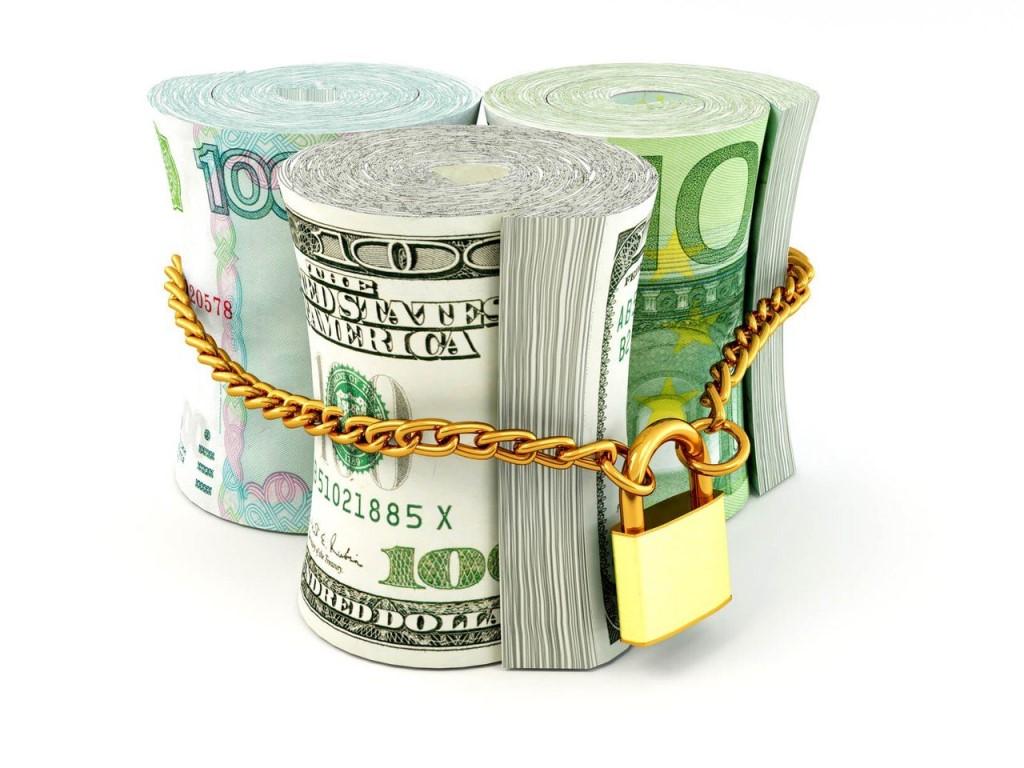 В чем лучше хранить деньги в 2017 году в России