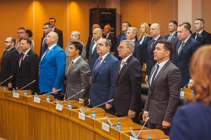 Зарплата депутатов в 2019 году