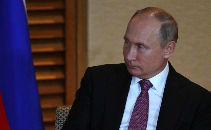 Путин встретился с Нурмагомедовым и поздравил его с победой