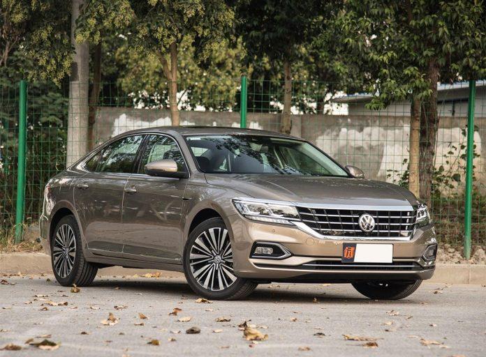Новый Volkswagen Passat раскрыли до премьеры