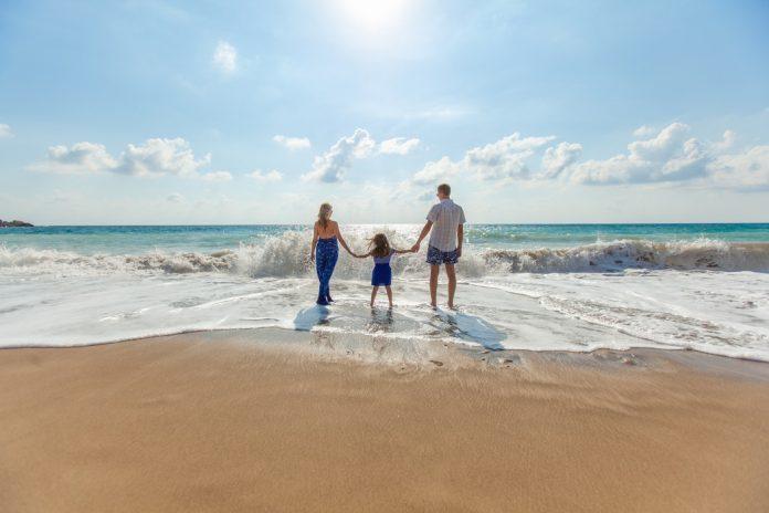 Названы лучшие направления для отдыха на море