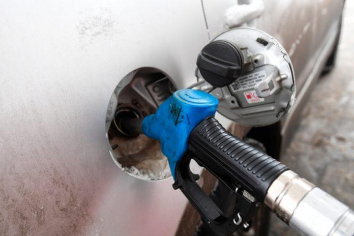 Стали известны первые итоги проверок качества бензина в России